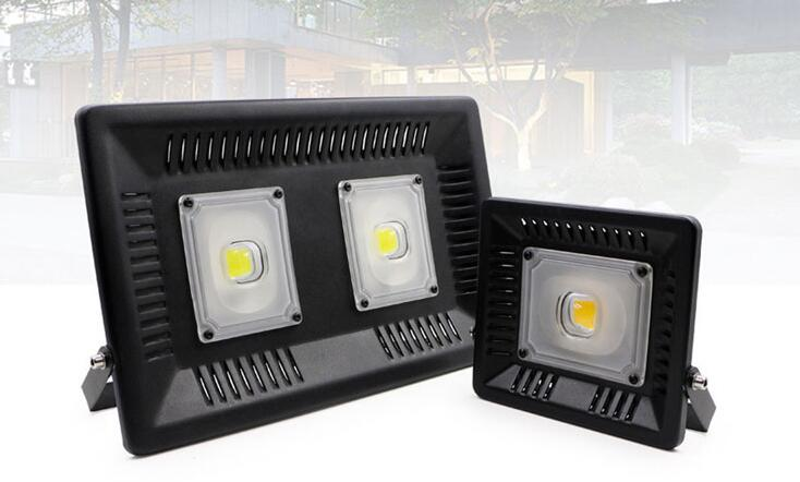 IP65 30W Waterproof Anti-thunder LED Flood Light